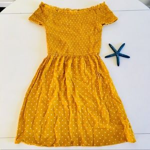 Cute mustard yellow mini dress! S/ XS